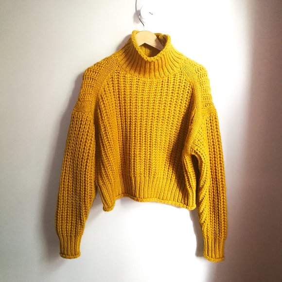 H&M Mustard Chunky Knit Cropped Wool Swester